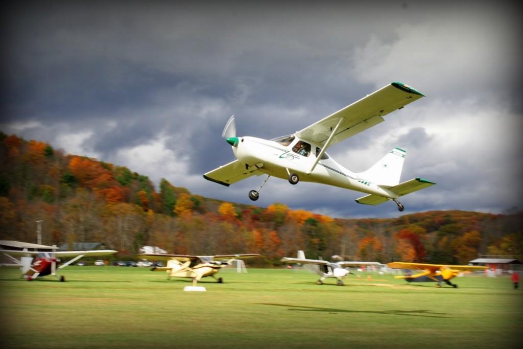 plane takes off PA40
